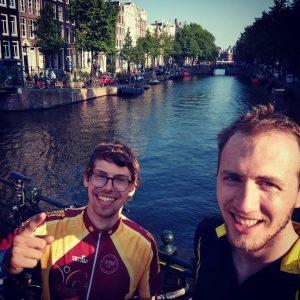 Brückenfoto in Amsterdam mit Hollandrädern