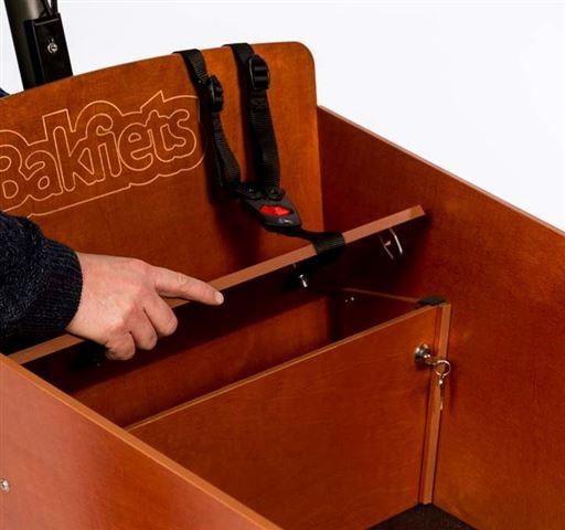 Bakfiets Schrank unter Sitzbank